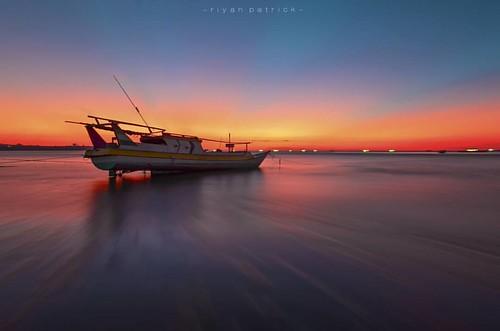 #sunset #kupang #landscape #landscaper #nature #adventure #beach #bajaklaut_id #sunsethunter #lensantt #super_photosunsets #explorealor #serikat_fi #geonusantara #canoo #tanahtimur #indonesia #nature #longexpoelite #kupangcity #super_photolongexpo #indone