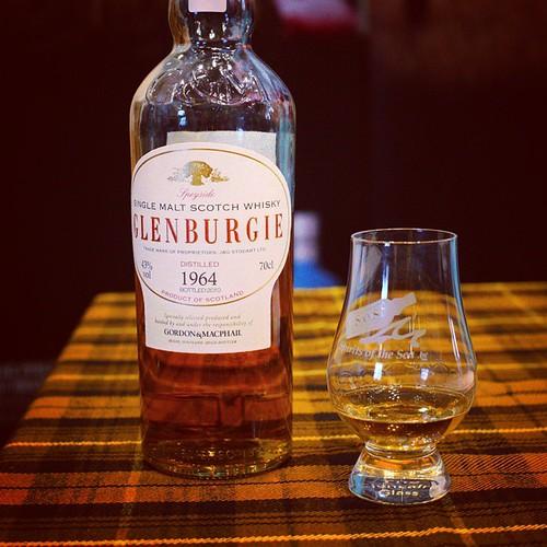 Glenburgie van 1964 gebotteld op 43%. Super, mooi cadeau voor alle 50 jarige whisky liefhebbers. #whisky #whiskywithfriends #glenburgie