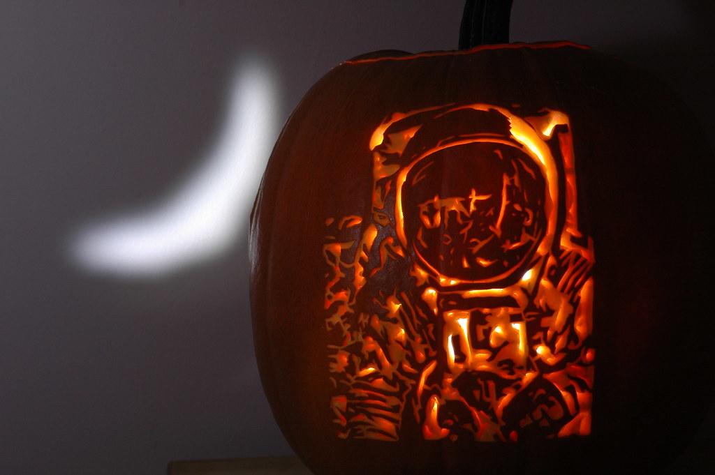 astronaut pumpkin - photo #12