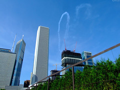 "Contrail loop above Grant Park • <a style=""font-size:0.8em;"" href=""http://www.flickr.com/photos/34843984@N07/15353973667/"" target=""_blank"">View on Flickr</a>"