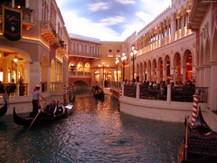 "Recreation of canals inside The Venetian Hotel • <a style=""font-size:0.8em;"" href=""http://www.flickr.com/photos/34843984@N07/15360536638/"" target=""_blank"">View on Flickr</a>"