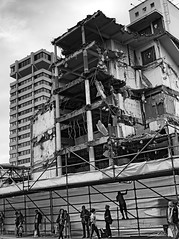 (hoellaerd) Tags: street bw constructionarea blackwhite site streetphotography baustelle constructionsite buildingsite buildinglot schwarzweis strasenfotografie samsungex2f