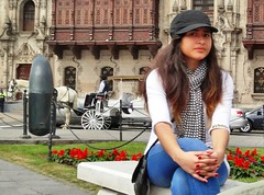 Peru,  Lima, cute girl in natural pose  #eru (bilwander) Tags: travel sexy girl chica lima teen solo peruana bilwander eru
