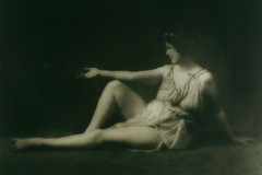 The beauty of simple movements: Who was Isadora Duncan?
