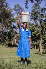 Fetching water | Kenya (ReinierVanOorsouw) Tags: kids kid kenya health wash kenia hygiene ngo sanitation kakamega kenyai kisumu beyondborders gezondheid qunia  simavi   beyondbordersmedia beyondbordersutrecht sanitatie ngoproject