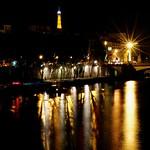 Un phare dans la nuit thumbnail