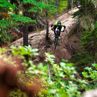 I love riding my bike thanks to my lovely boyfriend who took this pic. Thanks to @acros_components. @hayescomponents @dirtysm @iriedailyberlin #ridetsg #whistler #crankworx #shimano #ridingismylive #trueracing #trueriding #alutechtrailforce #alutech #r.s.
