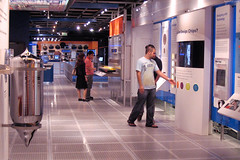 "People exploring the Intel Museum • <a style=""font-size:0.8em;"" href=""http://www.flickr.com/photos/34843984@N07/15522497176/"" target=""_blank"">View on Flickr</a>"