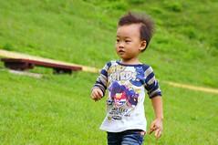 DSC04351.jpg (小賴賴的相簿) Tags: family nature kids zeiss sony taiwan taipei 自然 childern 草原 親子 木柵 爬山 孩子 1680 兒童 a55 運動 文山區 滑草 anlong77 小賴賴