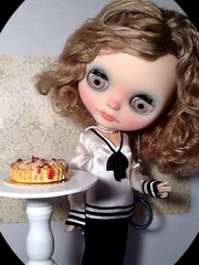 Toy-in-the-Frame Thursday & Blythe-a-Day March#14 Pi or Pie: Cassie