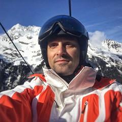 C'est parti !!! (laurentw68) Tags: tarentaise skipiste skialpin ski casquebolle bolle eider neige montagne saintefoytarentaise saintesfoyentarentaise alpes instagramapp square squareformat iphoneography