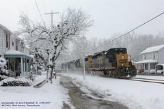 CSX 4033, Q375, West Newton, PA. 2-09-2017 (jackdk) Tags: train railroad railway locomotive csx csxt csxpittsburghsub csxkeystonesub bo baltimoreandohio snow westnewtonpa southwestpennsylvania emd emdsd40 emdsd402 sd40 sd402 sd403