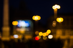 by night (ΞSSΞ®®Ξ) Tags: ξssξ®®ξ pentax k5 angle 2017 handheld smcpentaxm50mmf17 outdoor street city rome roma lights people sunday piazzadelpopolo night bokeh blur outoffocus pov italy lazio