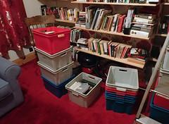 2017_04_030012 (Gwydion M. Williams) Tags: coventry britain greatbritain uk england warwickshire westmidlands chapelfields sirthomaswhitesroad books bookshelves