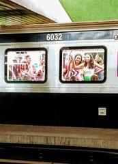 mulheres (luyunes) Tags: metrô metrôrio riodejaneiro luciayunes motoz