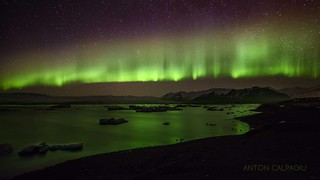 Northern Lights on Jokulsarlon , Iceland ...