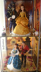 ** Disney Fairytale Designer Collection Display: Beauty and the Beast ** (NєωSαℓємWσℓƒ ♛) Tags: belle beast castle ball gown tellow dress villains gaston beauty movie animation disney store designer fairytale collection limited edition dolls doll beautiful rose enchanted lumiere potts ding dong chip mirror book
