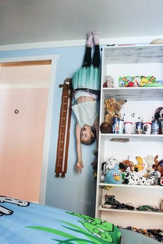 Bērnu istaba - Ačgārnā māja Lietuvā