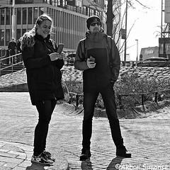 DSCN6964 (Akbar Simonse) Tags: rotterdam holland netherlands nederland people candid man woman smartphones streetphotography straatfotografie streetshot straatfoto telefoon phone zwartwit bw blancoynegro bn monochrome vierkant square akbarsimonse