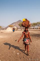 Carrying 3956 (Ursula in Aus) Tags: africa himba himbavillage namibia otjomazeva