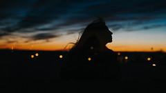 Selfie sunrise (JuliDistasio) Tags: self selfportrait selfie por portrait port autoportrait retrato autoretrato me girl hair bokeh bokehs canon canon6d city lights clouds cloud sunrise sun sunlight black dark