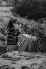 Thinking 1106 (_Rjc9666_) Tags: algarve bw cabosãovicente girl individuals nikond5100 outdoor places portugal sagres tamrom7020028 women ©ruijorge9666 1755 1106