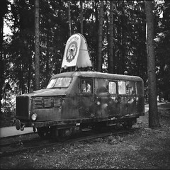 The Good Old Days (©skarson) Tags: blackandwhite bw film analog zeiss forest train canon europe communism locomotive commie ikon ilford fp4 canoscan grutas lithuania ussr cccp grutaspark ilfordfp4plus zeissikonnettar alytus nettar grūtoparkas druskininkų 9000f canoncanoscan9000f druskiningkai