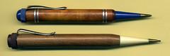 Zwei Drehbleistifte mit Krpern aus Holz (altpapiersammler) Tags: wood old pencil writing vintage alt crayon holz bleistift schreiben stift lpiz owek   drehbleistift