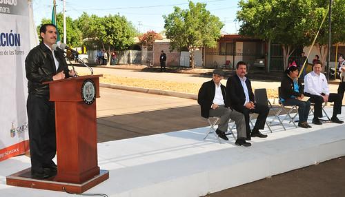 El Gobernador Guillermo Padrés entregó la modernización de dos vialidades y la escuela #40 completamente remodelada