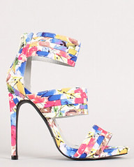 "floral strappy open toe • <a style=""font-size:0.8em;"" href=""http://www.flickr.com/photos/64360322@N06/15323361838/"" target=""_blank"">View on Flickr</a>"