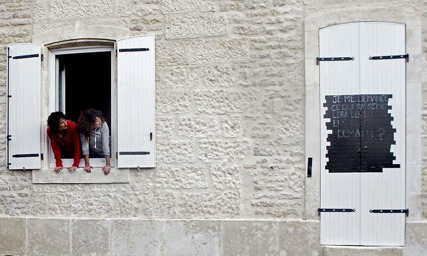 Fen tres sur rue mairie de niort for Fenetre sur rue hugo