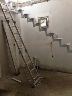 Beyaz renk Çelik merdiven