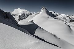 Pretty nice view (Tobiasvde) Tags: sky snow mountains alps nature landscape schweiz switzerland nikon suisse swiss clear alpen nikkor 18105 zwitserland saasfee allalinhorn allalin 4000m mattertal saastal d7000 mattervalley pwwinter
