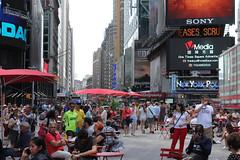 time to rest tiempo para descansar (Jos X) Tags: people usa newyork gente timessquare
