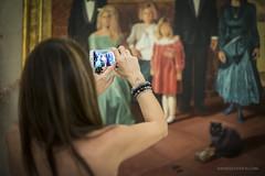 Foto di famiglia (D@niel&) Tags: italia famiglia smartphone villa palermo telefono gatto ritratto sicilia tecnologia fotografare posa storica iphone6 wwwdanielelivolsicom
