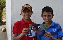 Eu disse que retornaria ... trs anos atrs (Mrcia Valle) Tags: brazil portrait people minasgerais meninos brasil twins nikon gente retrato interior garotos irmos juizdefora gmeos d5100 mrciavalle