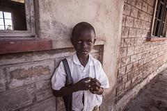 Kid portrait | Kenya (ReinierVanOorsouw) Tags: kenya health wash kenia hygiene ngo sanitation kakamega kenyai kisumu beyondborders gezondheid qunia  simavi   beyondbordersmedia beyondbordersutrecht sanitatie ngoproject