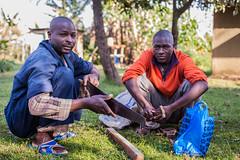 Making stuff | Kenya (ReinierVanOorsouw) Tags: kenya health wash kenia hygiene ngo sanitation kakamega kenyai kisumu beyondborders gezondheid qunia  simavi   beyondbordersmedia beyondbordersutrecht sanitatie ngoproject