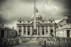 Piazza San Pietro (Andrea Rapisarda) Tags: blackandwhite bw rome roma blancoynegro architecture nikon bn vaticano architettura biancoenero d800 piazzasanpietro bienne ©allrightsreserved