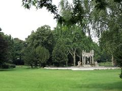 Zwei Mnnlein im Walde / Two Little Men Lost in the Woods (bartholmy) Tags: park trees sculpture berlin fountain fairytale lawn wiese skulptur mrchenbrunnen bume neuklln bollards poller vonderschulenburgpark