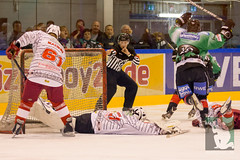 "OL15 Moskitos Essen vs. Ice Aliens Ratingen 17.10.2014 006.jpg • <a style=""font-size:0.8em;"" href=""http://www.flickr.com/photos/64442770@N03/15623440202/"" target=""_blank"">View on Flickr</a>"