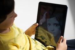 The kid with the digital mirror (Testigo Indirecto) Tags: boy portrait blackandwhite blancoynegro digital mirror kid child retrato espejo yelow tablet niño tableta digitalmirror espejodigital