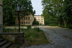 FdJ4 (Lepantho) Tags: germany deutschland ddr stalinallee lostplace henselmann fdjjugendhochschule fujixe1 fujixf16mm14