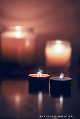 Velas , mi favorita, la de vainilla :) (Ana Eloysa) Tags: vela vainilla velas fuego fire dobleexposicion artphotography art zgz aeloysa anaeloysa vscocam luz contraste reflejo