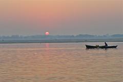 lever de soleil sur le Gange (Fif') Tags: inde india bharat 2017 varanasi bénarès benares sri shri uttar pradesh ganga gange gaṅgā gōnga ganges