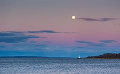 Moon Over Torgers Island (Kurt Evensen) Tags: lighthouse landscape nature water le moon rockyshore weather vestfold sea norway longexposure tønsberg sky seascape luna shore