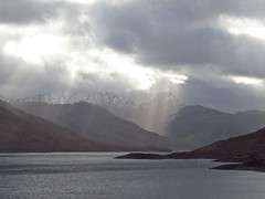 8639 Mountains, loch and sunbeams (Andy - Busyyyyyyyyy) Tags: 20170319 ccc clouds ggg glen glenquoich lake lll loch lochcuiach lochquoich mist misty mmm mountains murk murky qqq reservoir rrr scotland snow sss sunbeams water www