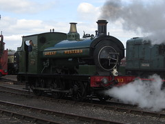 IMG_4712 - GWR Hudswell Clarke Saddle Tank 813 (SVREnthusiast) Tags: didcotrailwaycentre didcot railway centre gwrhudswellclarkesaddletank813 gwr hudswellclarke saddletank 813