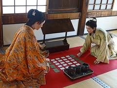 Senhime and Katsuhime Playing Karuta (Rekishi no Tabi) Tags: japan unescoworldheritagesite himejicastle  himejij harima japanesearchitecture senhime japanesecastles hyogoprefecture japanesenationaltreasure shirasagicastle ikedaterumasa katsuhime