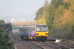 144021 (marcus.45111) Tags: autumn train sheffield railway citycentre unit southyorkshire 2014 northernrail wincobankjunction